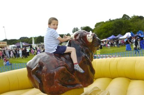 Lewis Rowlands puts his rodeo skills to the test