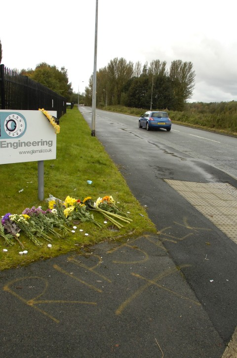 Motorcyclist, 19, dies after accident in Manor Park, Runcorn