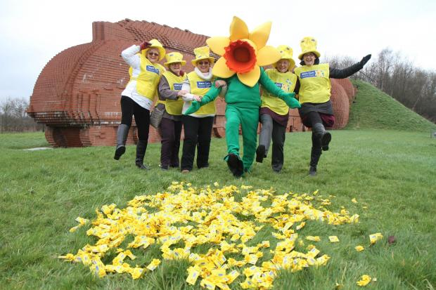 Widnes garden centre supports the Great Daffodil Appeal