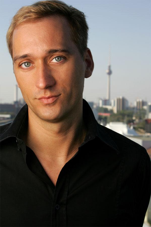 Interview with Paul Van Dyk + VIDEO!