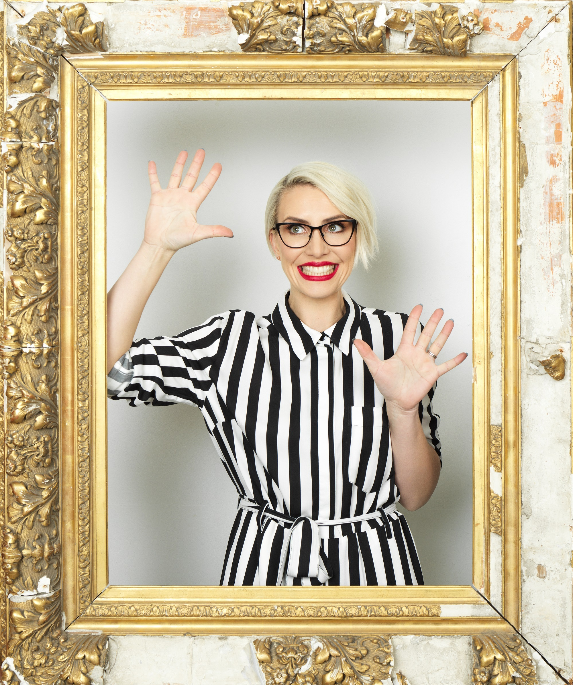 STEPS superstar Claire Richards is encouraging spec wearers across Runcorn and Widnes to have a go in a competition offering a £10,000 cash prize