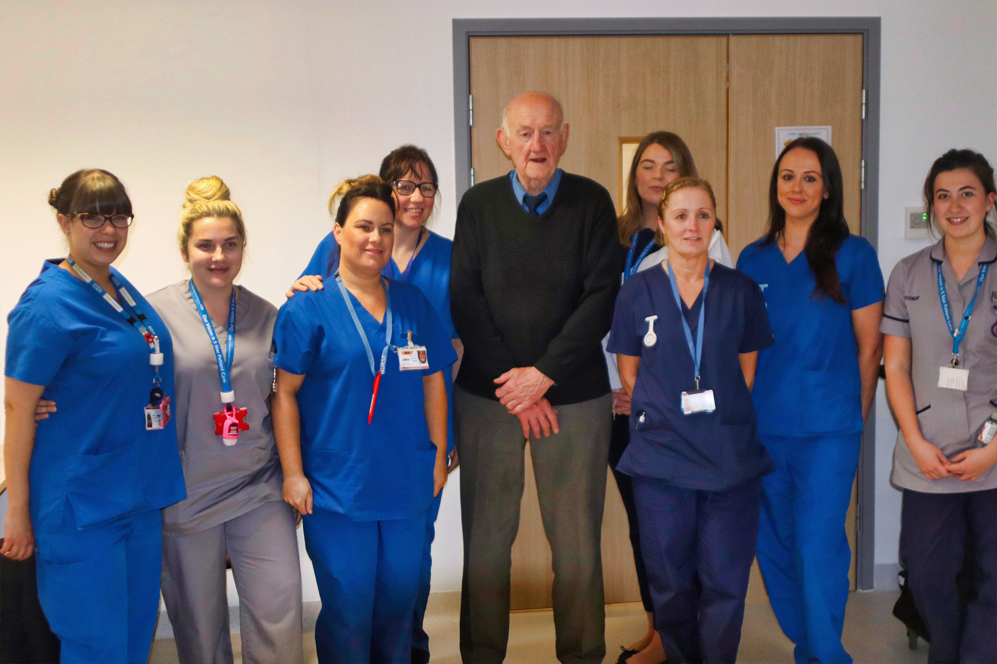 Saints legend and Beat The Scrum Ambassador Ray French visits staff at Whiston Hospital