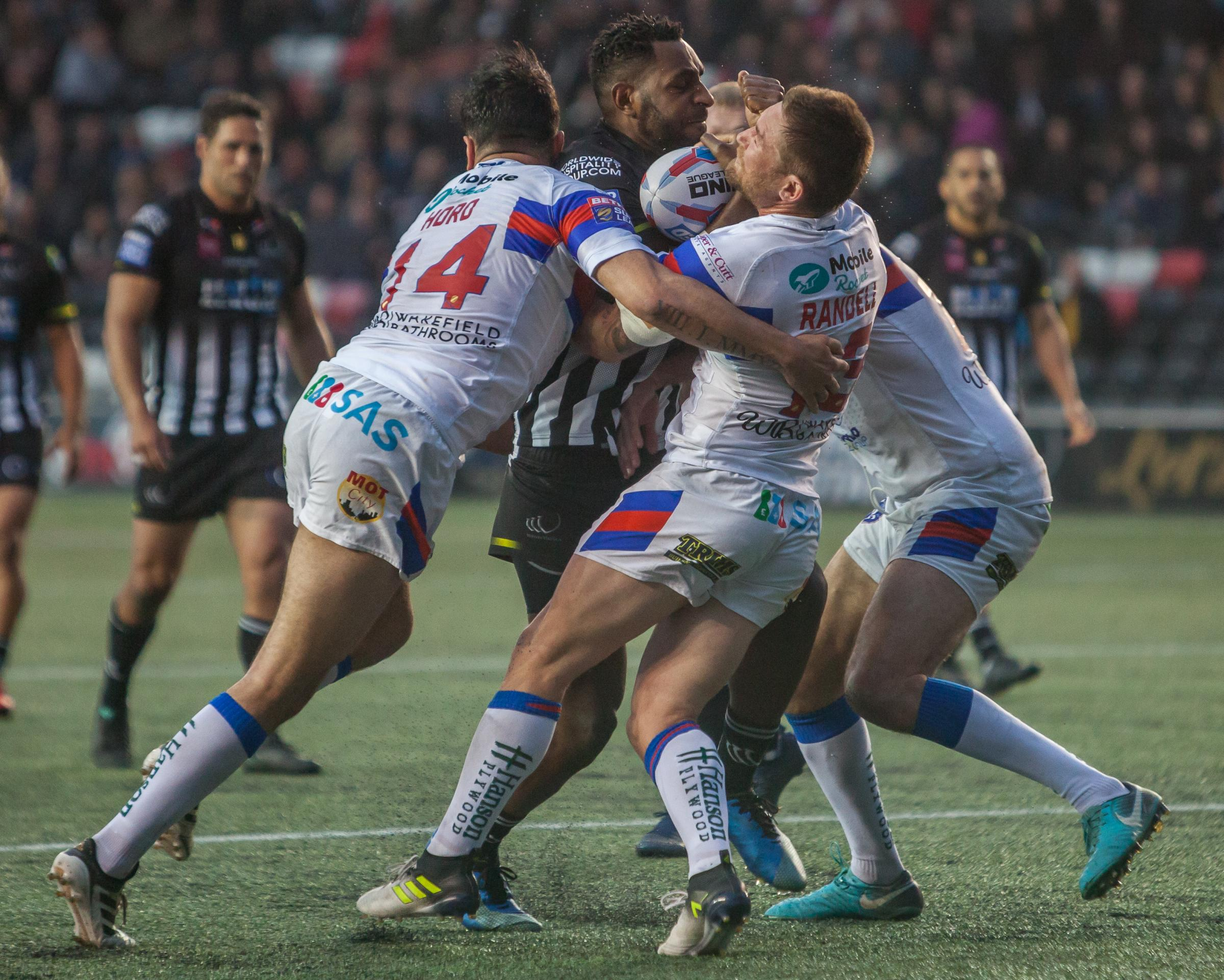 Action from Widnes v Wakefield Trinty
