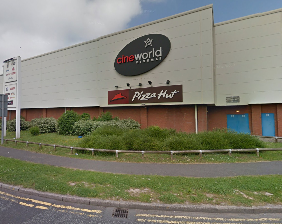 Fire At Pizza Hut On Trident Retail Park Runcorn And